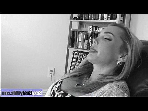 жена трахает мужа страпоном онлайн